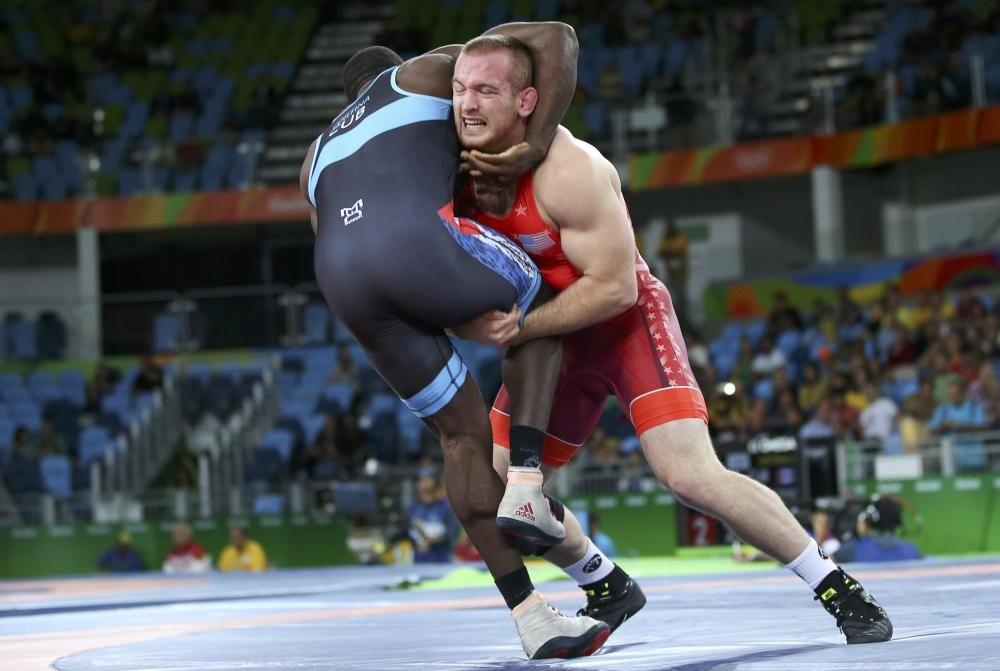 Preliminar de lucha de 97 kg entre Kyle Snyder de EEUU y Javier Cortina Lacerra de Cuba.