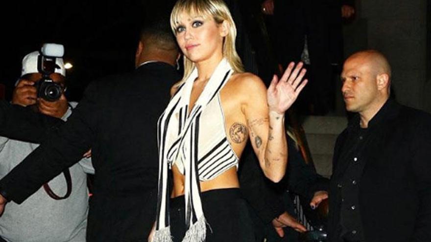 Miley Cyrus desfila por sorpresa para Marc Jacobs
