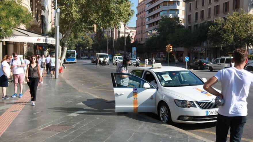 Etappensieg für Taxifahrer: Ministerium verweigert Uber- und Cabify-Lizenzen