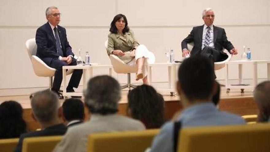 Más de 250 profesionales analizan en Santiago la transformación digital