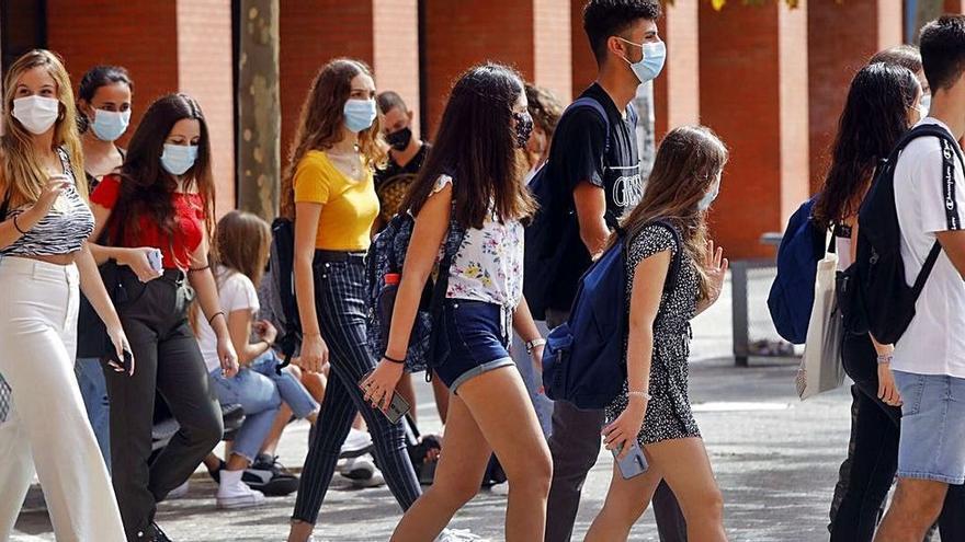 Barceló y Marzà anuncian la vacunación de los estudiantes de Bachillerato y FP