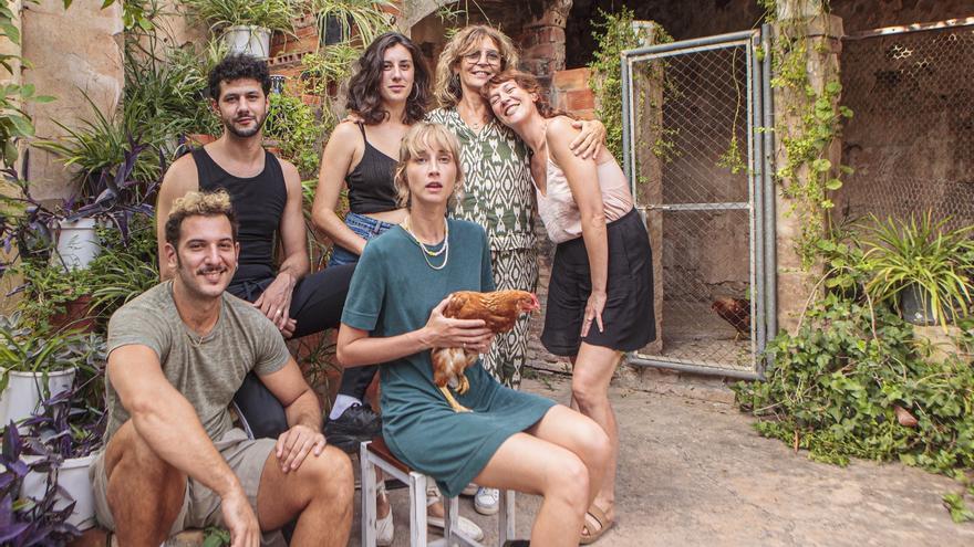 Valencia acoge el rodaje de 'Nosotros no nos mataremos con pistolas', una película sobre la juventud perdido