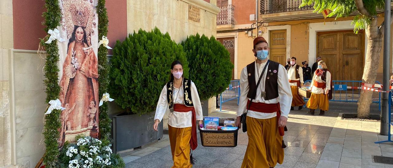 Donación realizada el pasado mes de octubre coincidiendo con las tradiciones fechas de los Moros y Cristianos