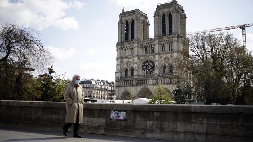 Terminan los trabajos para asegurar la catedral de Notre Dame