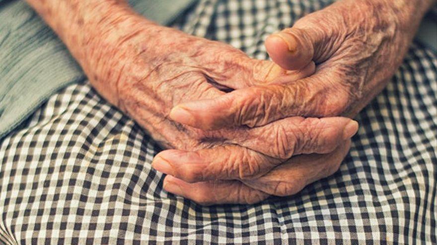 Una anciana vuelve a su residencia tras 10 días de ser dada por muerta por Covid