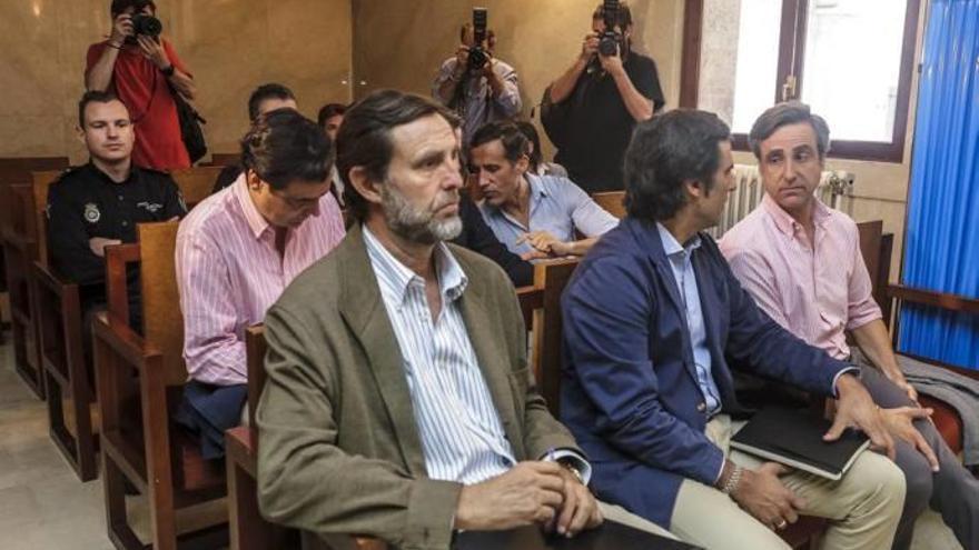 La Audiencia no envía a prisión a los Ruiz Mateos