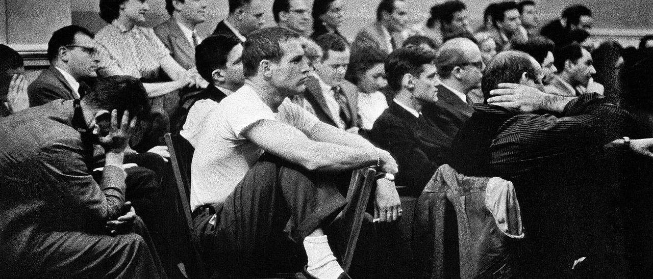 Paul Newman, en el Actor's Studio de Nueva York, en el año 1955. | Eve Arnold / Magnum Photos