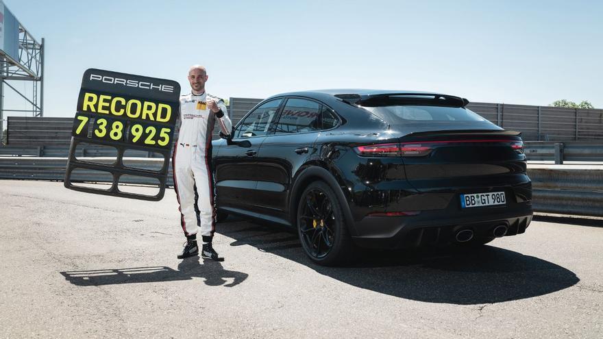 El nuevo Porsche Cayenne 2022 bate un récord en el mítico circuito de Nürburgring
