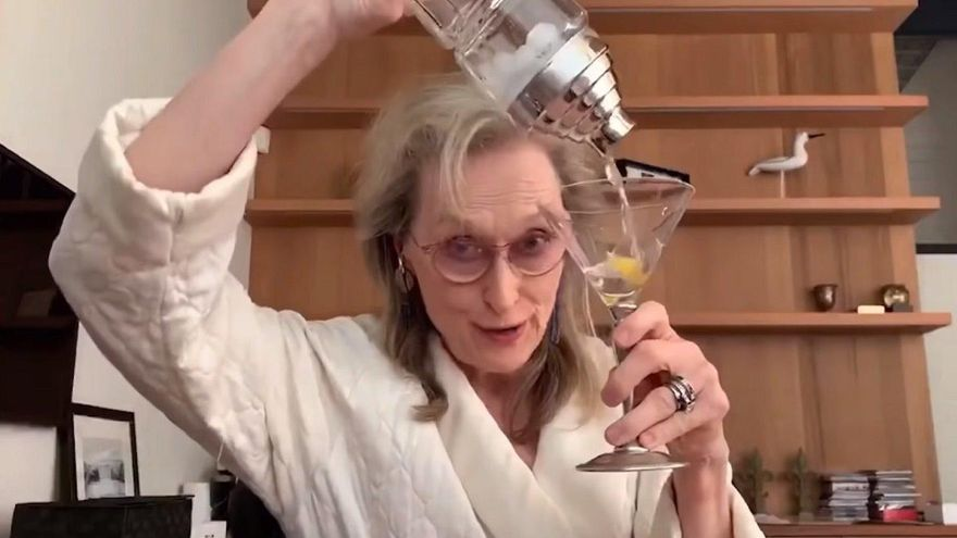 Meryl Streep canta y se emborracha con sus amigas en cuarentena
