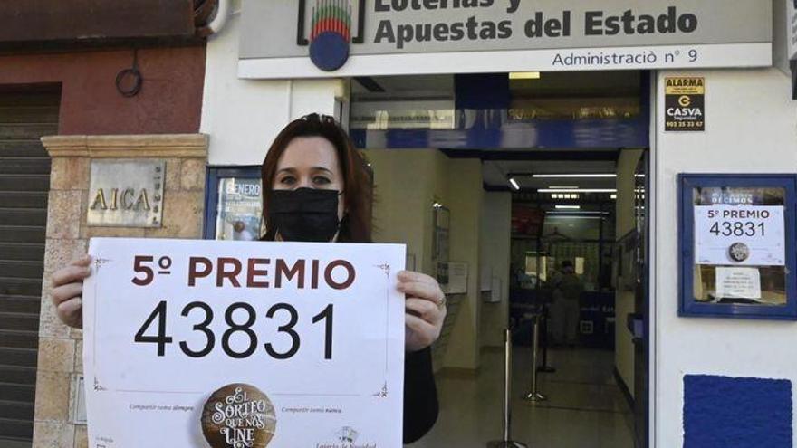Castellón logra tres quintos premios en el sorteo del Gordo