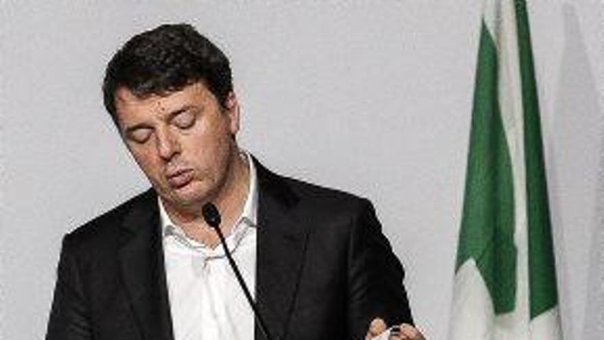 Renzi dimiteix com a cap del Partit Demòcrata, que té l'amenaça d'una escissió