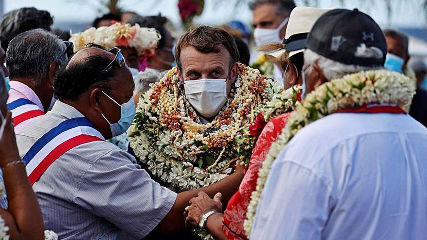 Macron reconeix el «deute» de l'Estat pels assajos nuclears a la Polinèsia Francesa