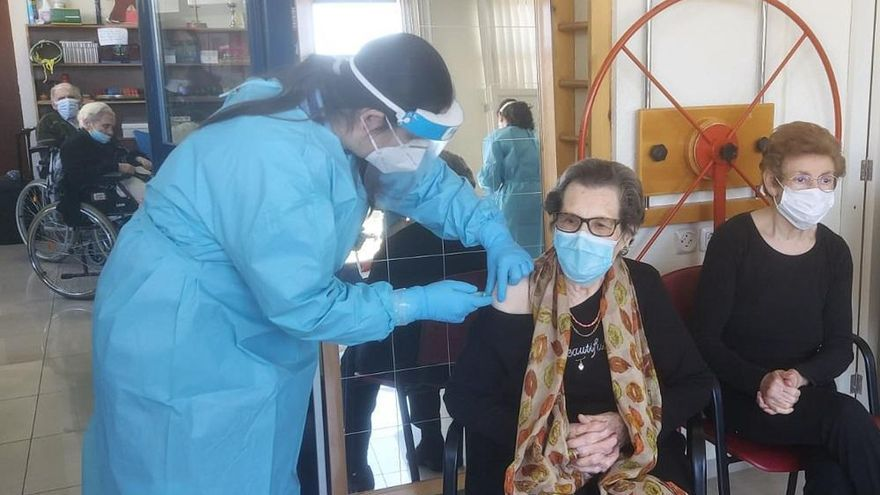 Los alcaldes vacunados de Torrecampo y Alcaracejos eluden dimitir, desbordados por la pandemia