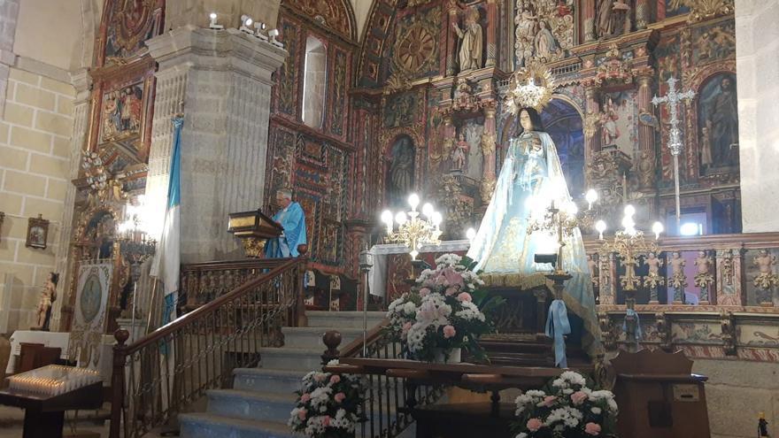Sanabria, a los pies de su patrona la Virgen de los Remedios