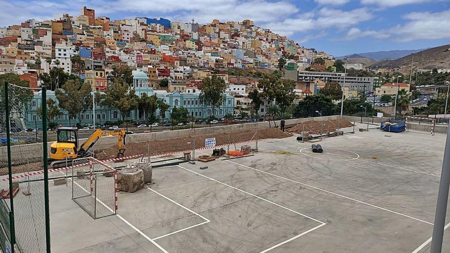 Urbanismo repara los muros del parque deportivo de San Nicolás