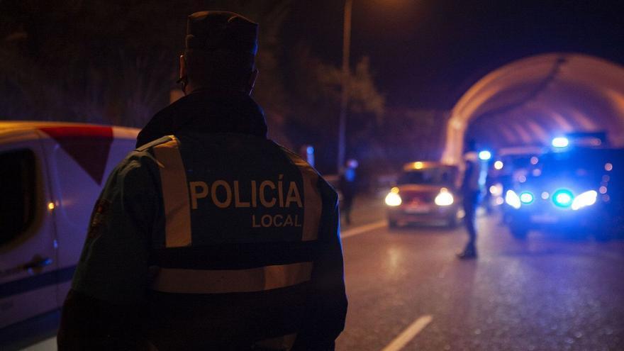 Una noche con la Policía Local: Oviedo cumple el toque de queda
