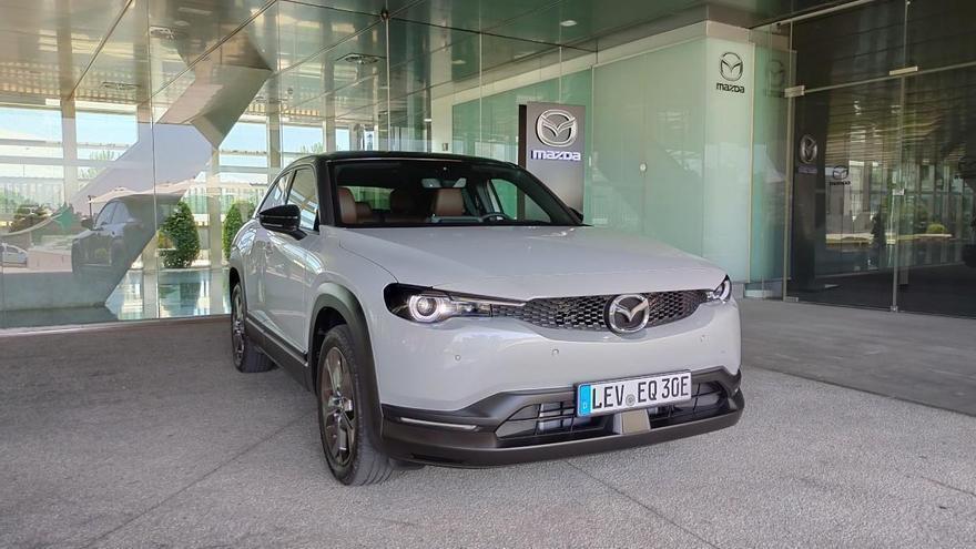 Nuevo Mazda MX-30 eléctrico: probamos la primera unidad en España