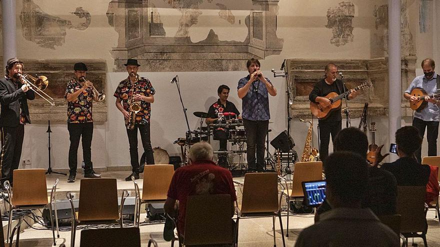 Sones tradicionales de Bazanca en Biblioteca Pública del Estado