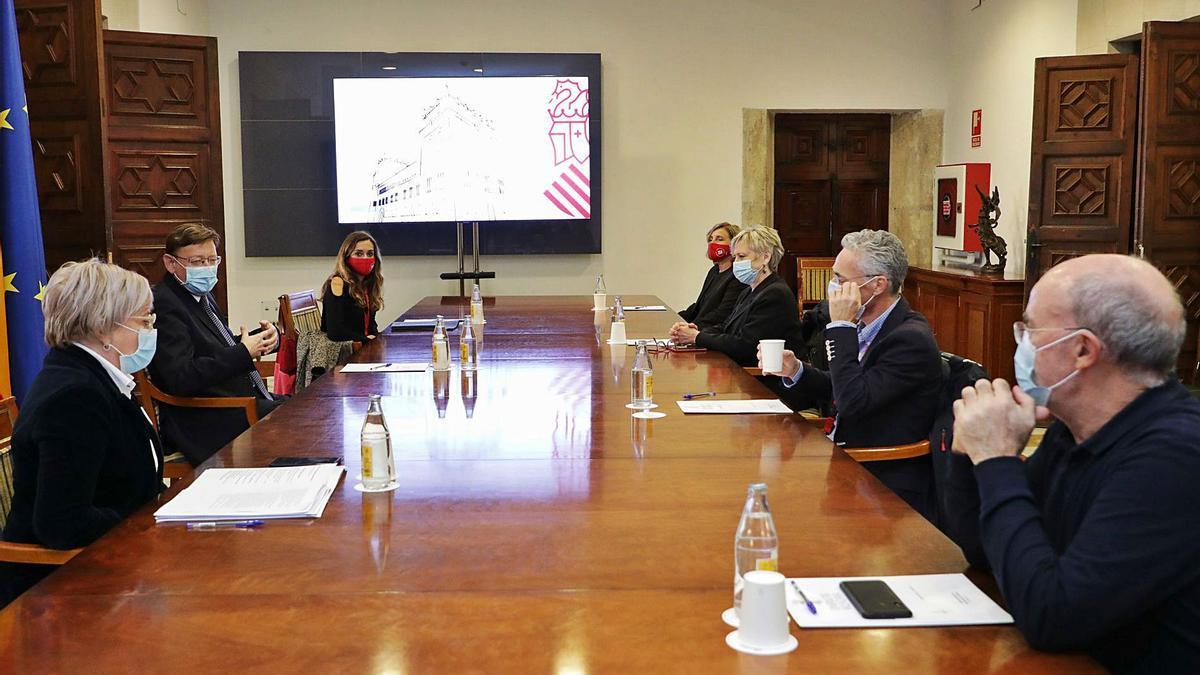 Reunión de la comisión de vacunación de la Comunidad Valenciana frente al covid, que se ha constituido este miércoles.