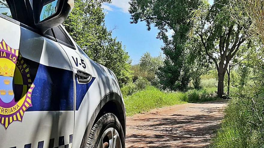 El camí on va ser trobat el cadàver de Johana, sota vigilància policial