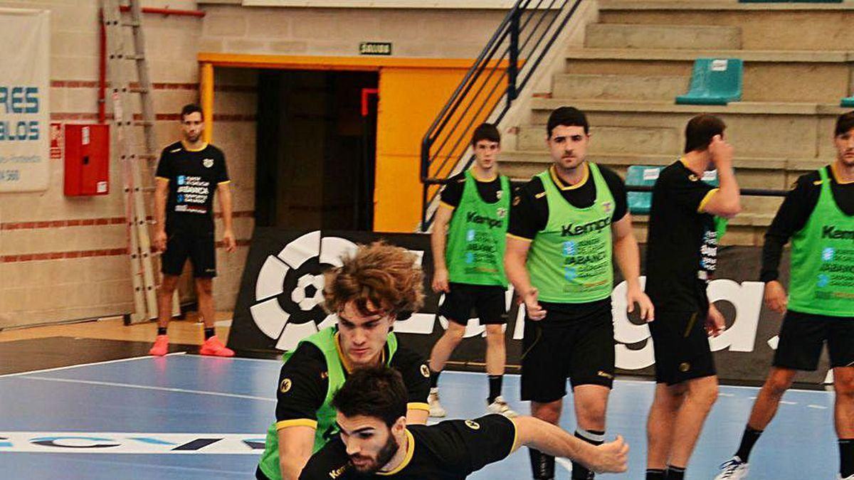 Santi López y Brais en el entrenamiento de ayer.