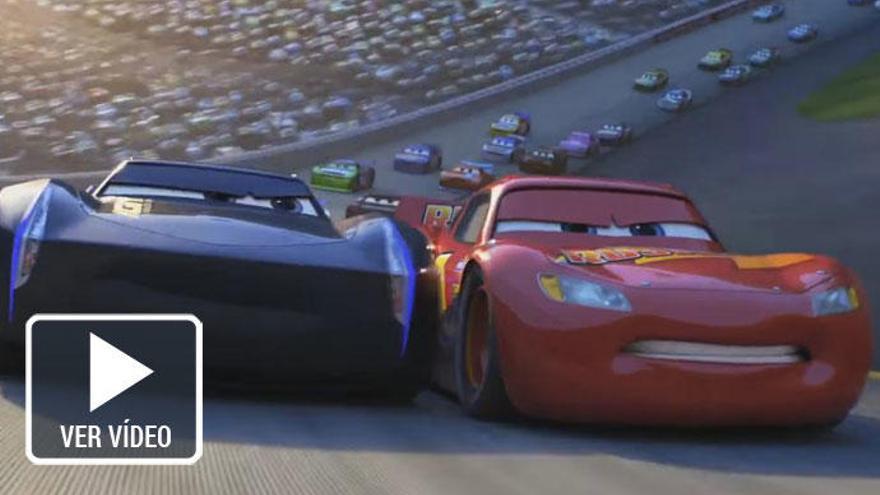 Rayo McQueen pisa a fondo en el nuevo tráiler de 'Cars 3'