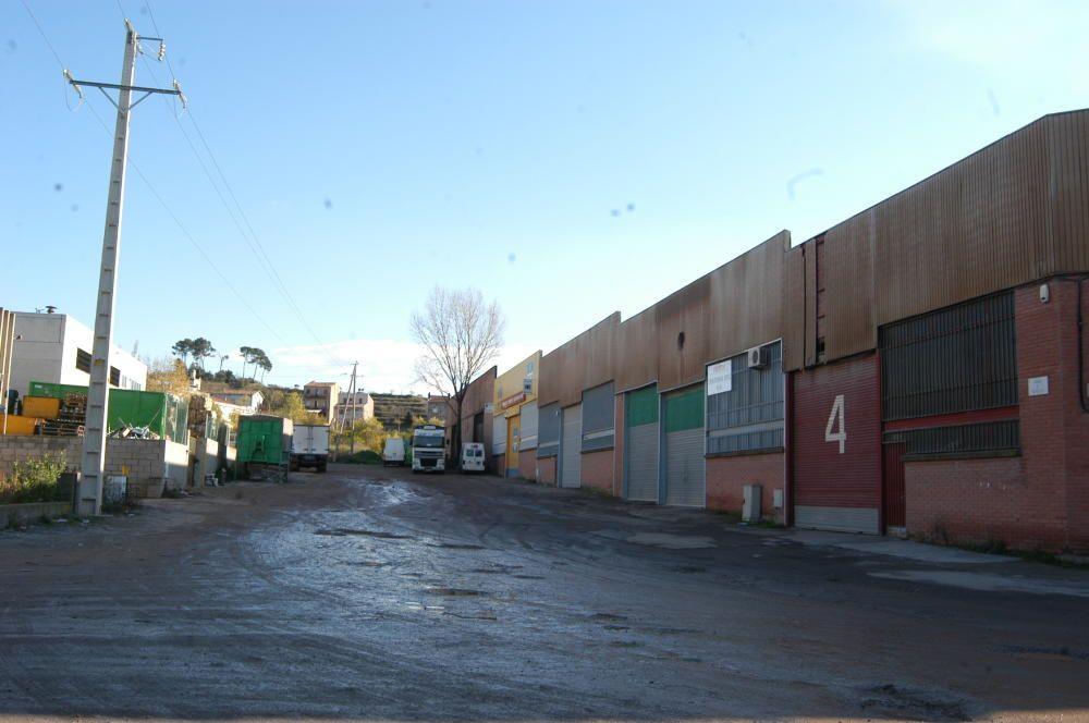 Carrer Navarcles abans d'urbanitzar (2003)