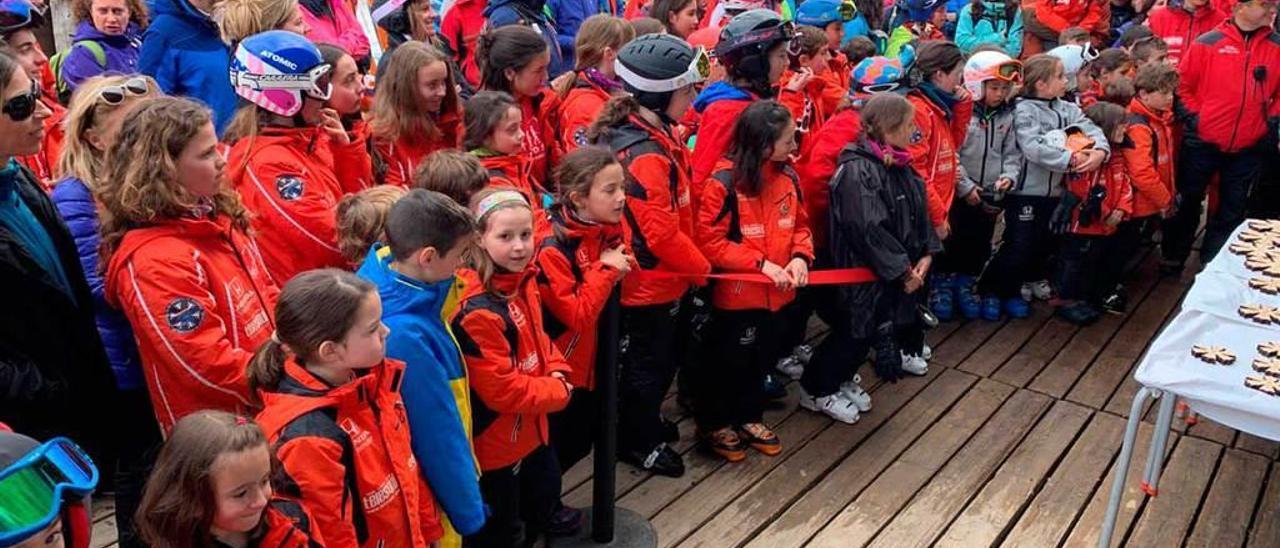 La prueba del Club EEES en Fuentes de Invierno congrega a 365 niños
