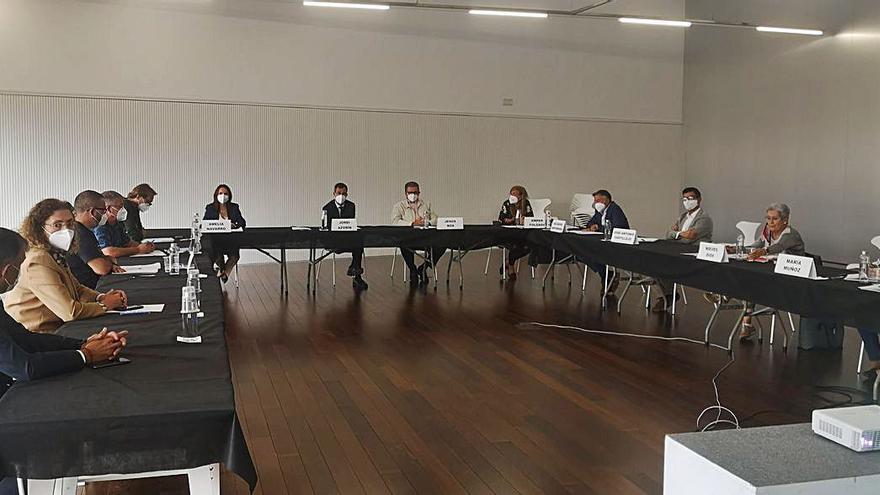Torrent acoge las primeras mesas de trabajo impulsadas por Aigües de l'Horta para establecer un Pacto Social