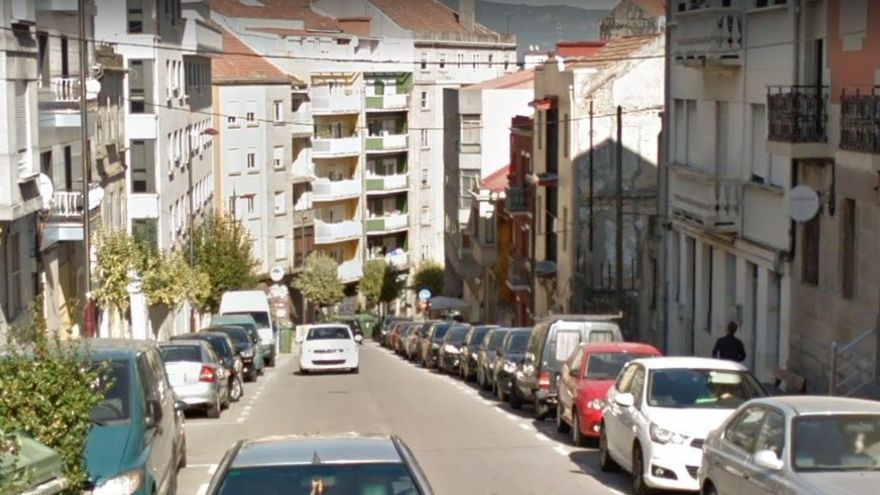 Una arqueta obliga a cerrar al tráfico otra calle del centro de Vigo