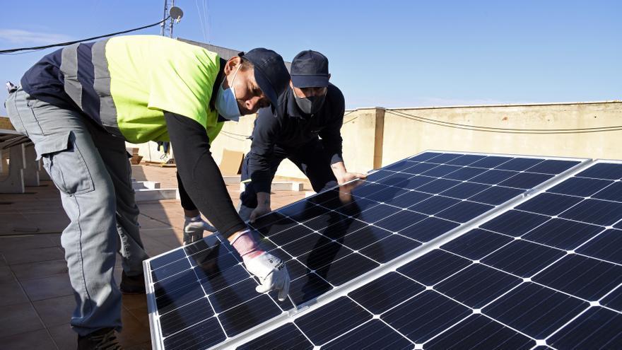 Paiporta se pasa a la energía solar fotovoltaica