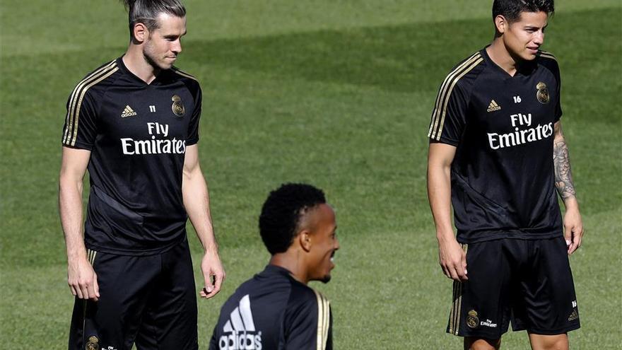 James y Gareth Bale se entrenan con el Real Madrid