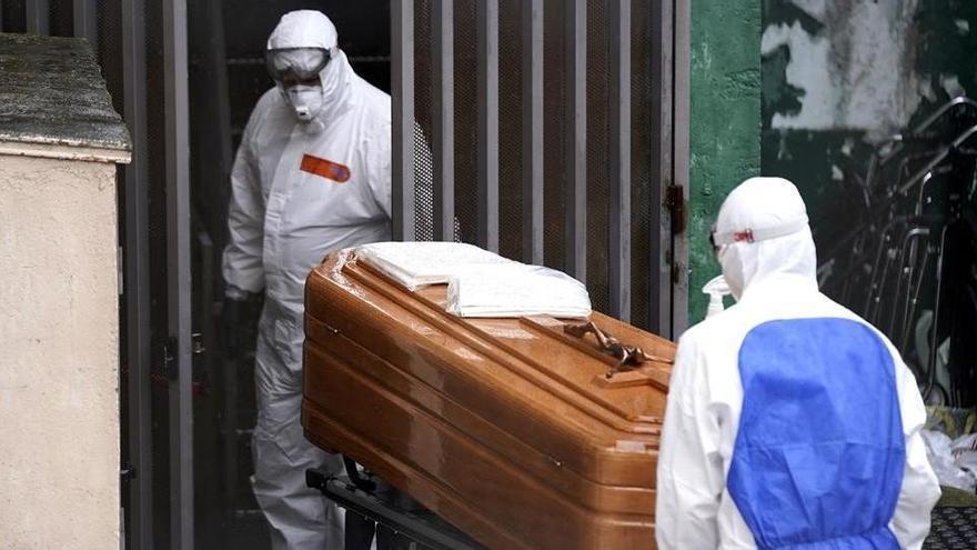 Los muertos por covid en los geriátricos suman casi 25.000