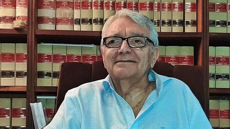 Gabriel Garcías recibe el premio a la ética jurídica