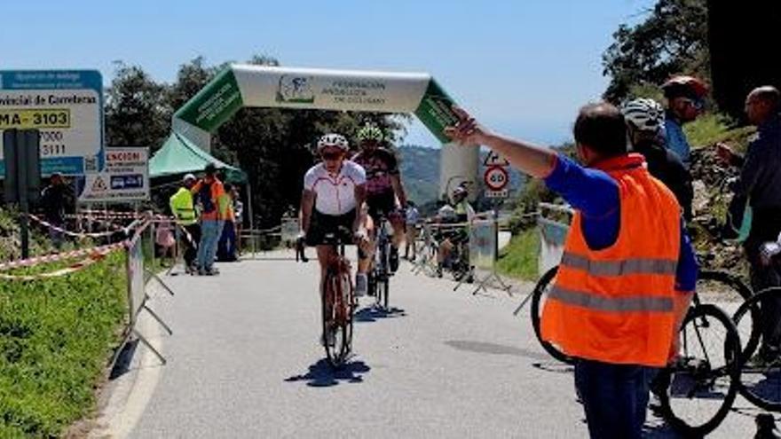 Rincón de la Victoria celebra la IV Subida a la Bolina con un pelotón de 250 ciclistas