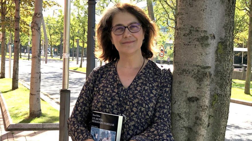 """Rosa Ribas, escritora: """"La incertidumbre es lo más doloroso para una familia"""""""