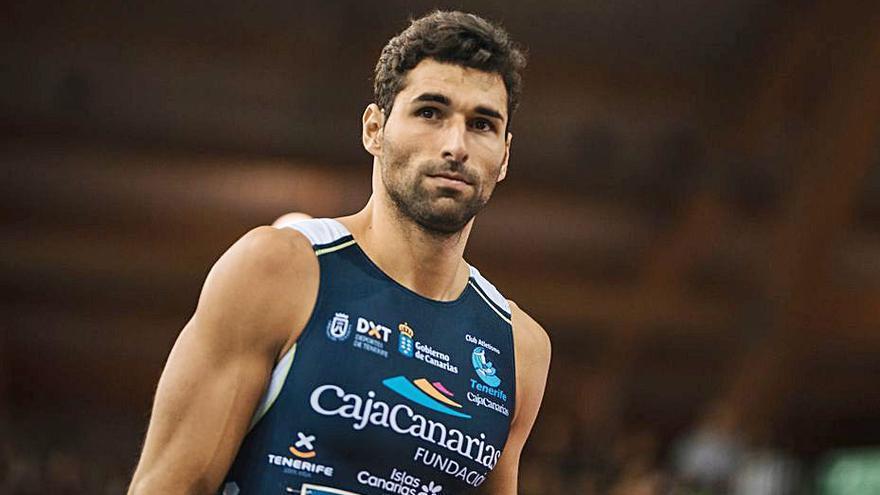 Samuel García confirma su liderato en los 400 metros lisos en España