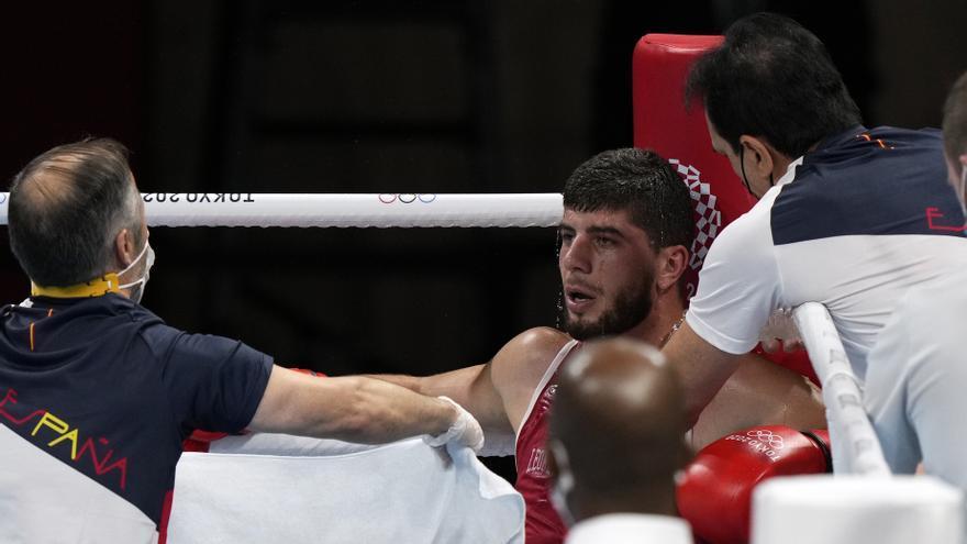 El boxeador Jalidov se despide tras caer por KO ante el ruso Khataev