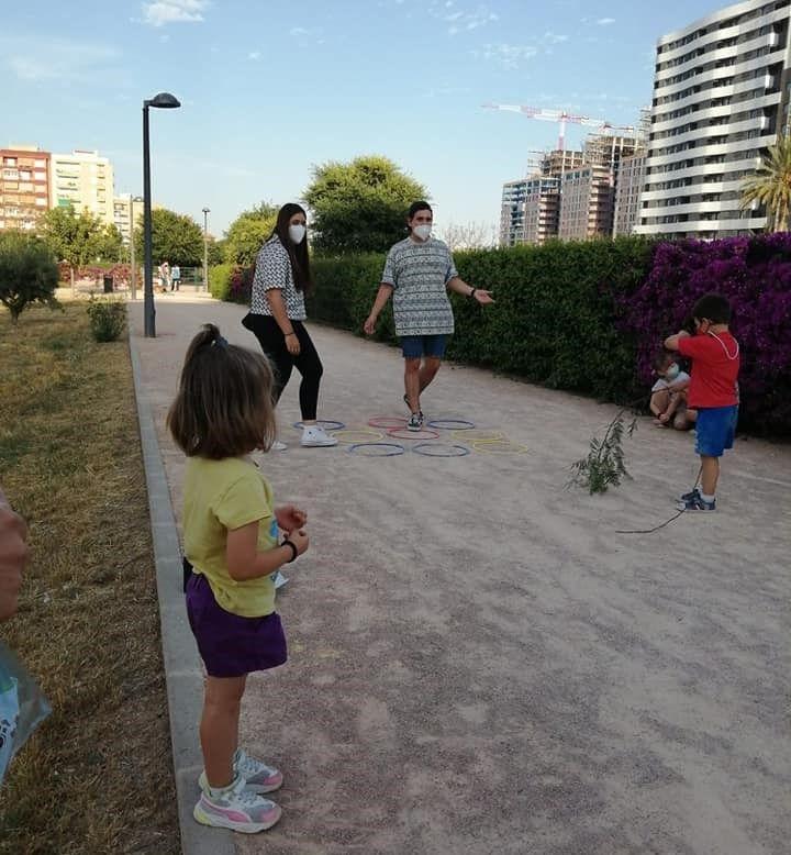 Juegos infantiles de Carrera Malilla-Isla Cabrera.jpg