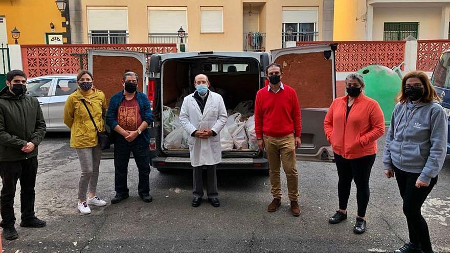 Las hermandades donan alimentos