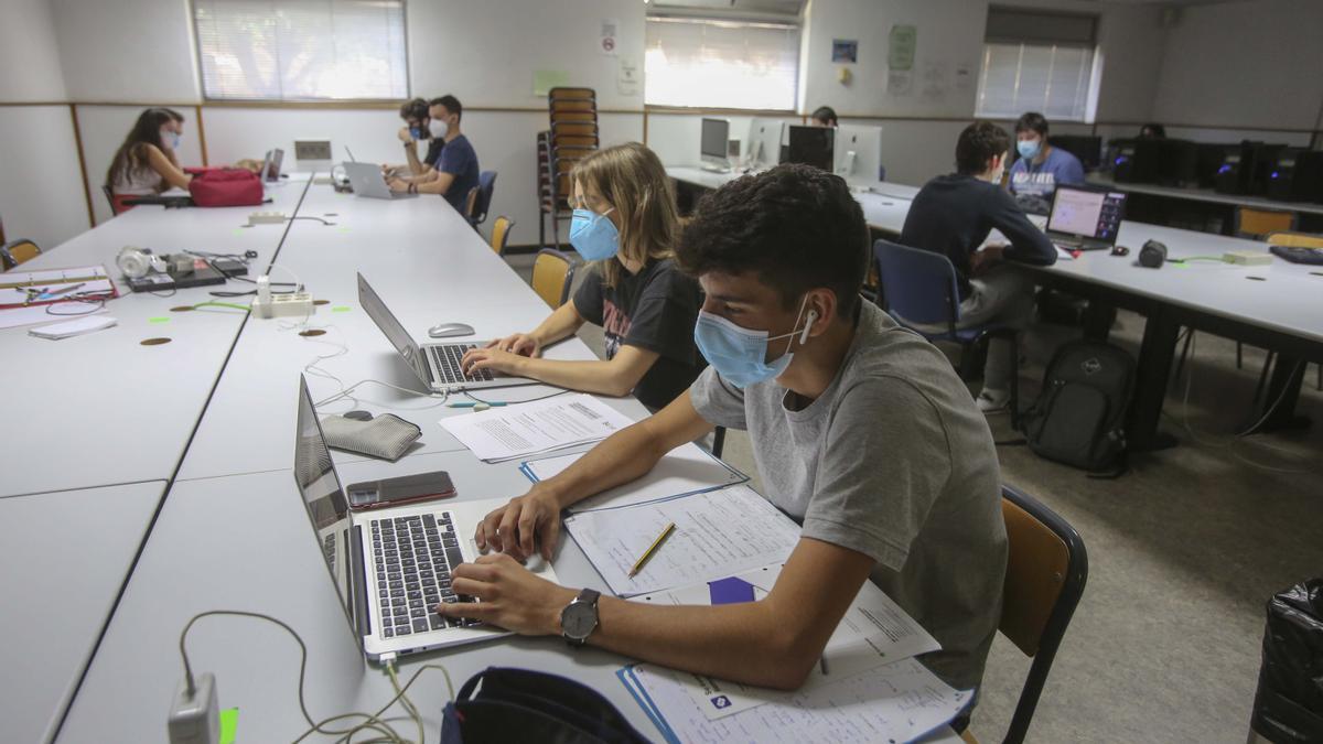 Becas universitarias 2020-2021 en la Comunidad Valenciana: todo lo que debes saber