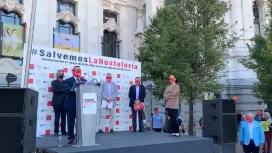 Hosteleros de Baleares reclaman en Madrid medidas para salvar al sector