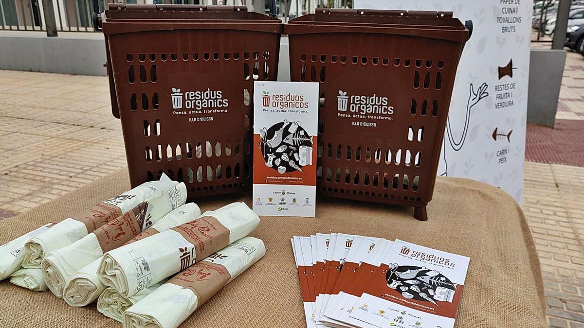 Imagen del material de esta campaña de recogida de restos orgánicos.