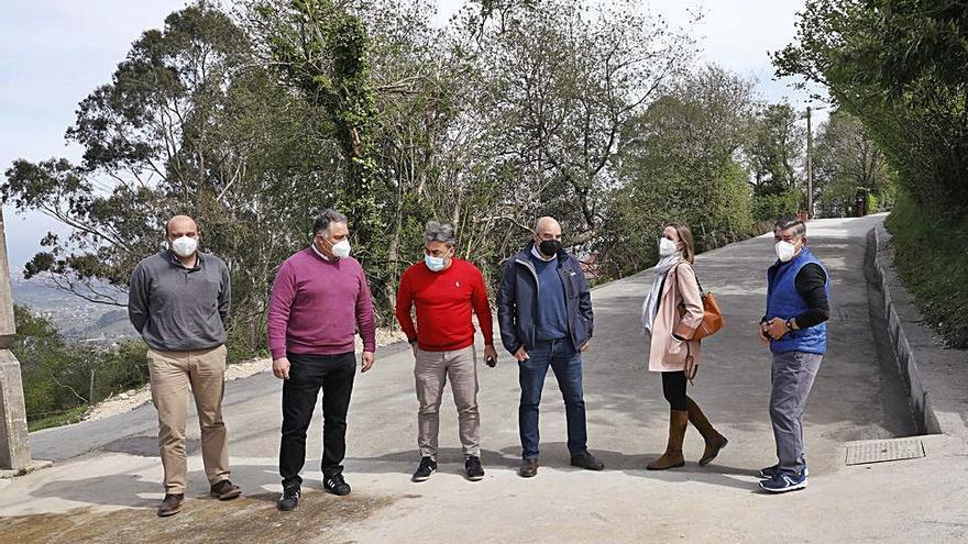 El camino de Las Fonticas ensancha su firme y mejora su drenaje