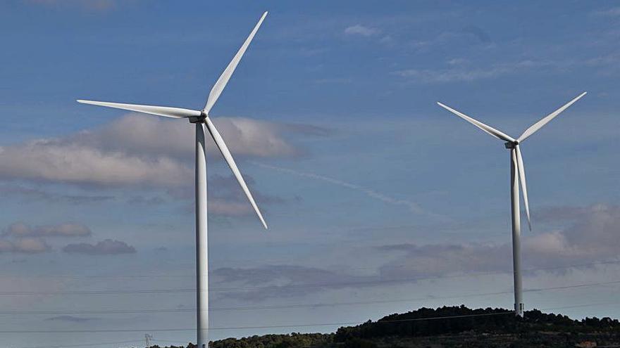 El sector de les renovables afronta amb «preocupació» el decret energètic