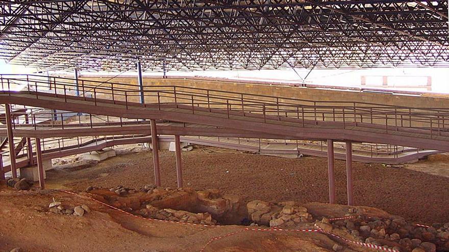 Comienza la impermeabilización parcial de la cubierta de Cueva Pintada