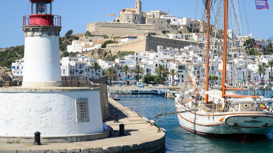 Visitar Eivissa tiene premio para los residentes de Balears
