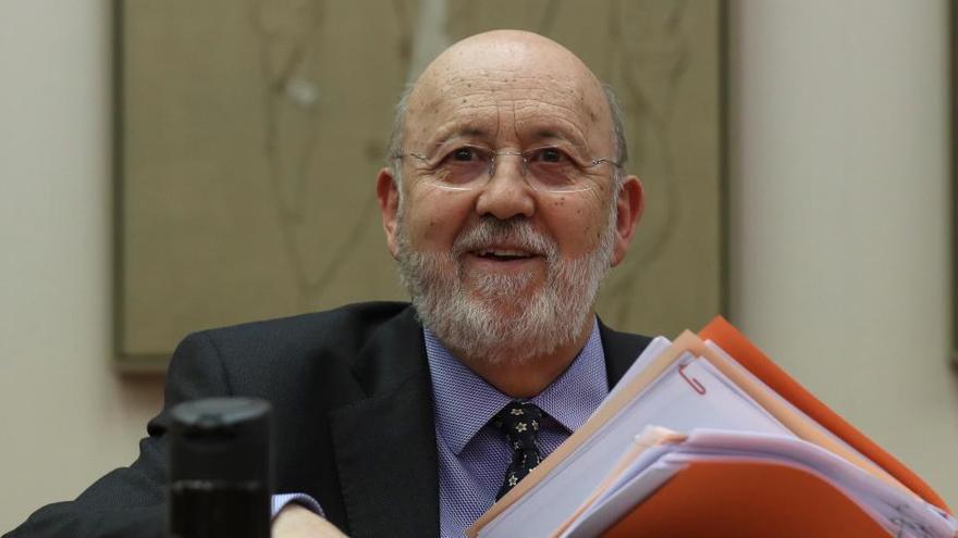 """Tezanos dice que los problemas del Rey """"no interesan"""" a los españoles"""