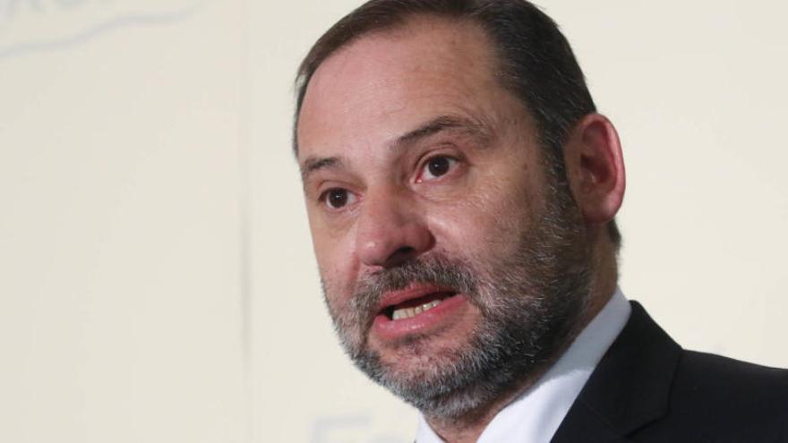 """Ábalos expresa su """"horror político"""" por el posible fichaje de Soraya Rodríguez por Cs"""
