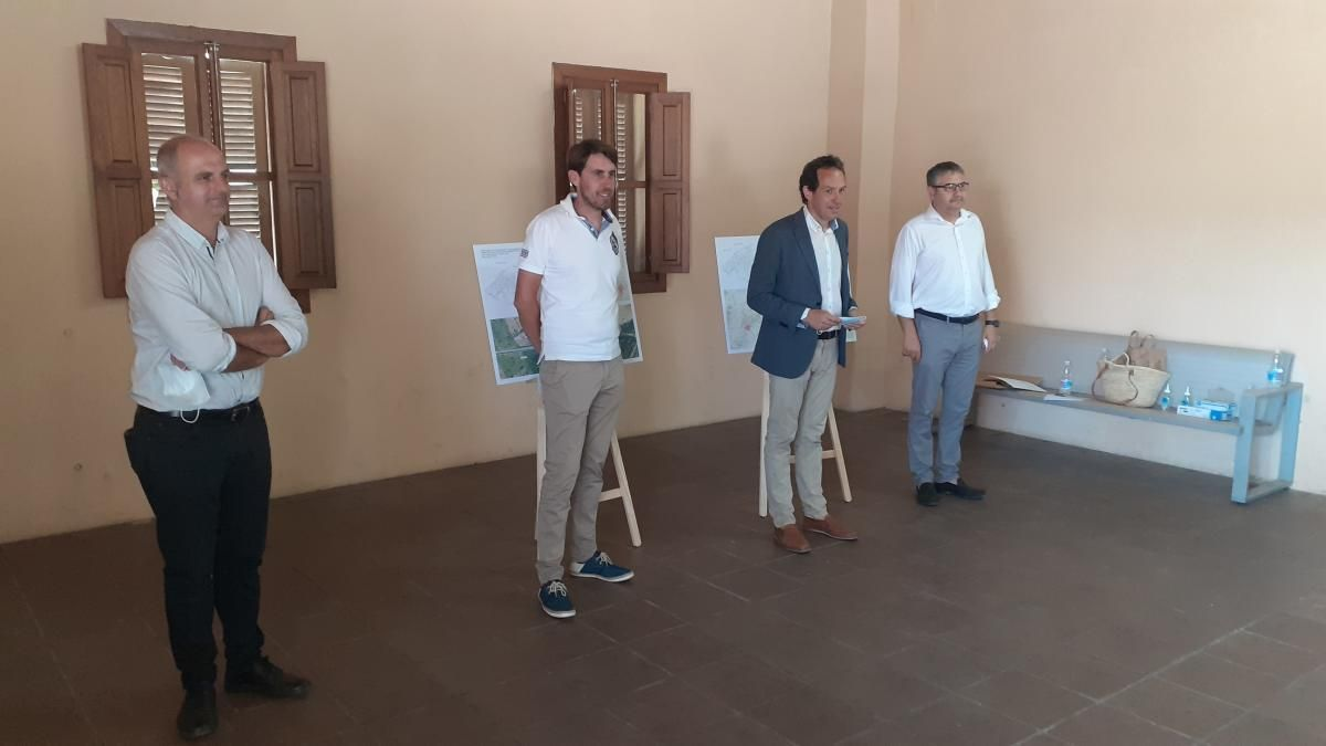 Las autoridades municipales y autonómicas han presentado el proyecto en la estación de Sineu.